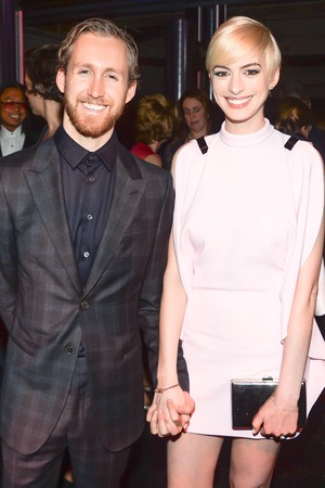Adam Schulman, Anne Hathaway, Tate Americas Foundation artists dinner and after party, New York, blonde hair, sleek style, celebrity couple