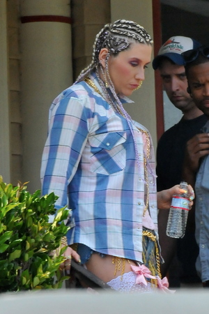 Ke$ha, Crazy Kids, suspenders, hotpants, music video, cornrows