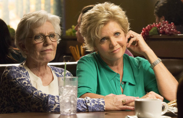 Patty Duke and Meredith Baxter guest-star in Glee S04E22: 'All or Nothing'