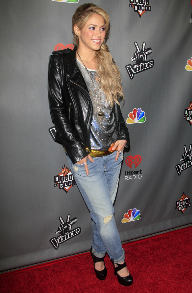 Previous Next A casual Shakira wears a leather jacket and jeans as she ...