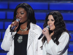 &#39;American Idol&#39; season 12 grand final: Ryan Seacrest with Kree Harrison and Candice Glover
