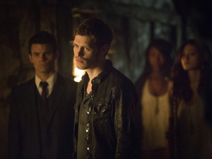 Daniel Gillies as Elijah, Joseph Morgan as Klaus and Phoebe Tonkin as Hayley in 'The Originals'