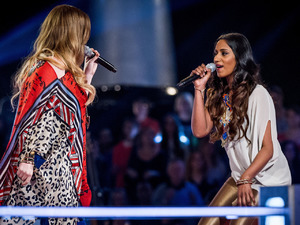 The Voice - Season 2, Episode 9: Laura Oakes & Abi Sampa