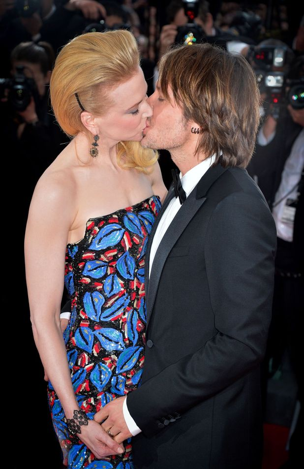 Inappropriate red carpet PDA