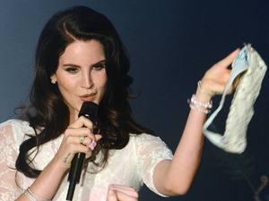 Lana Del Rey, fans, underwear, Vicar Street, Dublin
