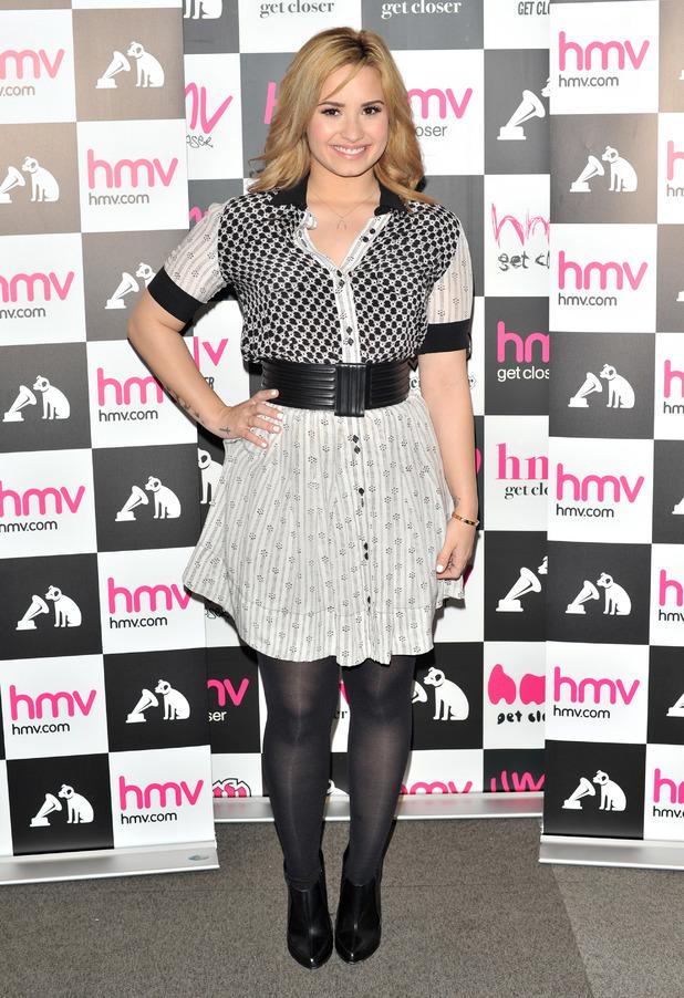 Demi Lovato, Demi, album, HMV, Oxford Circus