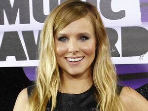 Kristen Bell arriving at the 2013 CMT Music Awards