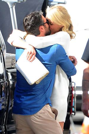 Cameron Diaz, Taylor Kinney, kisses, 'The Other Woman' on set filming, New York