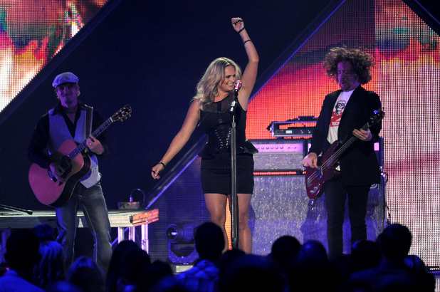 Miranda Lambert performs at the 2013 CMT Music Awards