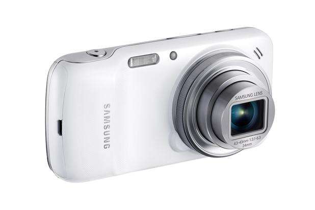 Samsung's Galaxy S4 Zoom smartphone