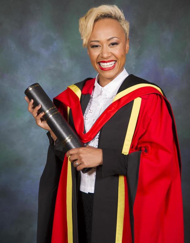 Emeli  Sandé poses with her her honorary degree