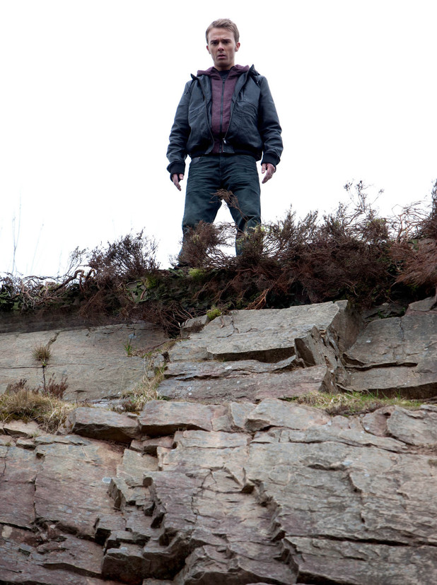 Tormented by thoughts of Kylie and Nick, David finds himself on the edge of a cliff and considers jumping
