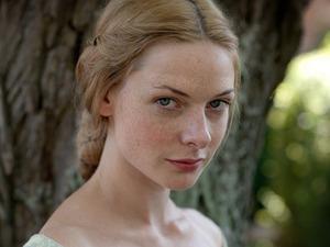 Rebecca Ferguson as Elizabeth Woodville in 'The White Queen'