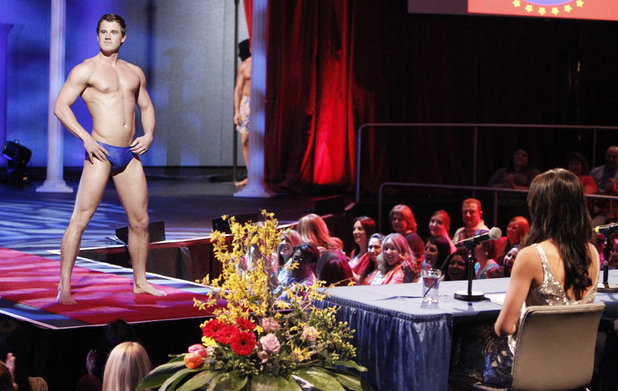 'The Bachelorette' S09E04: Ben during the Mr. America show