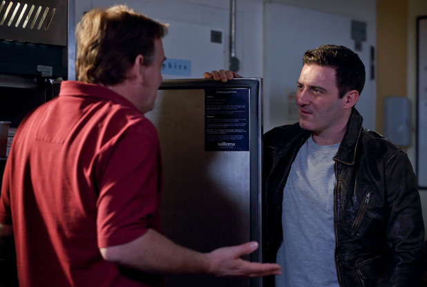 Ian threatens to expose Carl's threats to Kirsty.