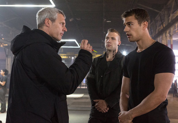 Director Neil Burger with Jai Courtney and Theo James on the set of 'Divergent'