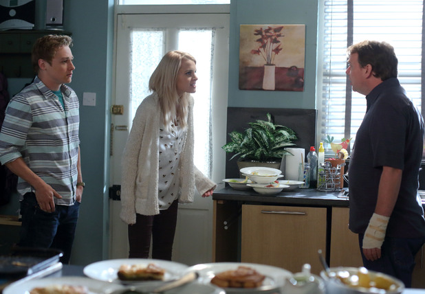 Ian tells Lucy about the situation with Carl.