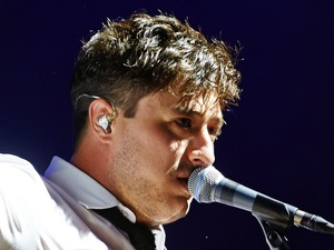 Mumford and Sons headline Glastonbury Festival ~~ June 30, 2013
