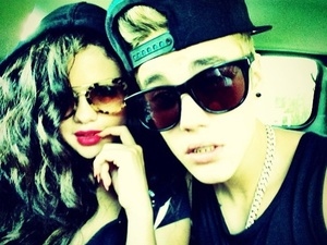 Justin Bieber uploads an image of himself with Selena Gomez to Instagram