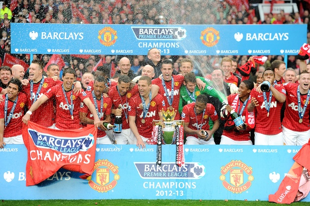Manchester United celebrate with the Barclays Premier League trophy