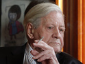 Ex-German premier Helmut Schmidt may have cigarettes confiscated under new EU law.