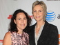 'Glee' Jane Lynch: 'I'm not dating'