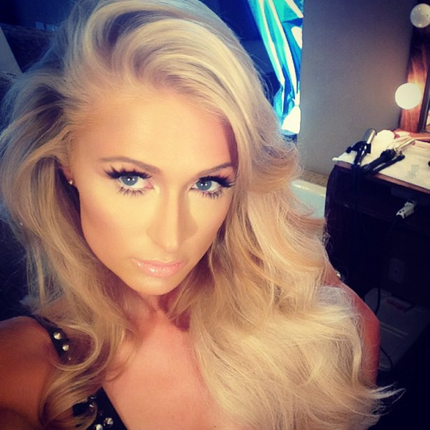 Paris Hilton films new music video