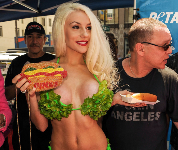 Courtney Stodden, Peta Promotes 'Free Veggie Dogs' in Los Angeles, America - 31 Jul 2013
