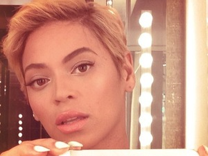 Beyoncé shows off her hair