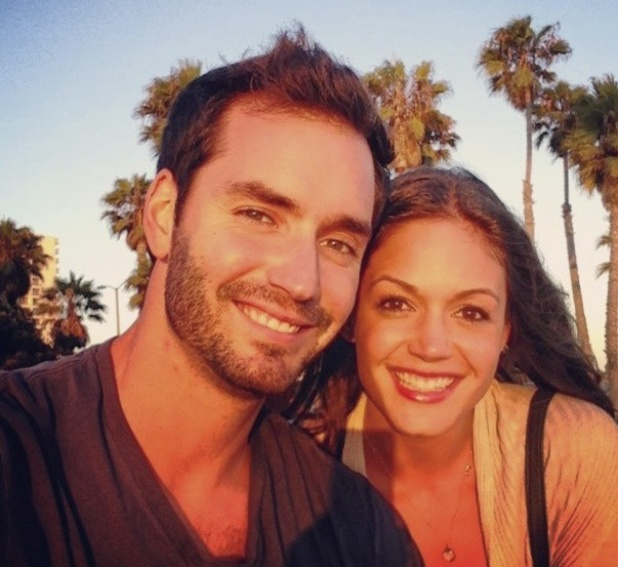 ' Desiree, Chris have beach date - pictures - The Bachelorette News