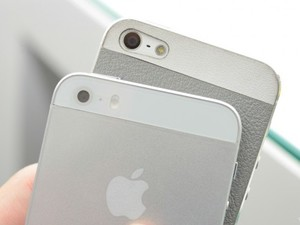 Apple iPhone 5S, 5C shown in leaked comparison photos