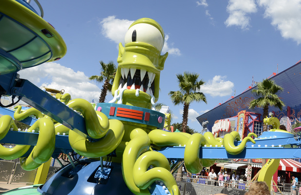 Kang & Kodos ride at Simpsons Springfield theme park