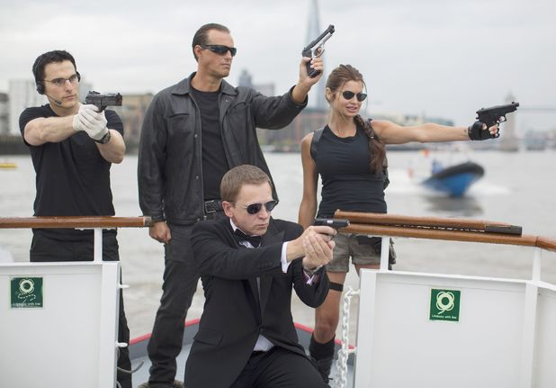 Tom Cruise, Arnold Schwarzenegger, Angelina Jolie and Daniel Craig lookalikes