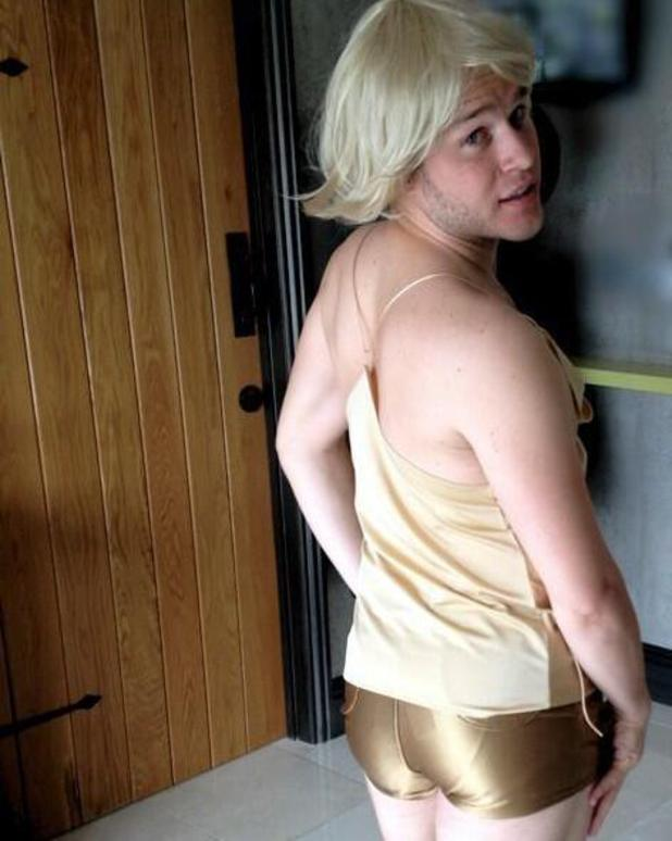 Olly Murs dresses up as Kylie Minogue