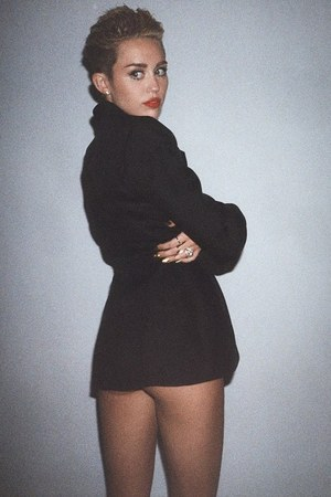 Miley Cyrus promotional 'Bangerz' shot