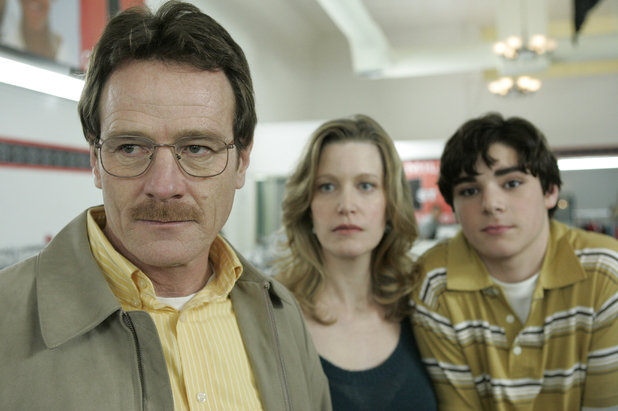 Breaking Bad S01E01: Walter White (Bryan Cranston), Skyler White (Anna Gunn) and Walt Jr. (RJ Mitte)