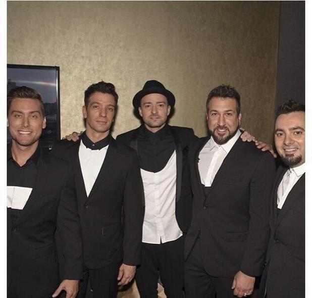 *NSYNC share backstage photo at the VMAs 2013