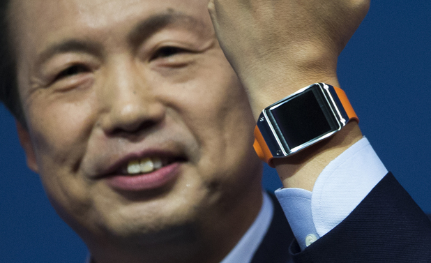 Samsung boss JK Shin with the Galaxy Gear smartwatch at IFA 2013, Berlin