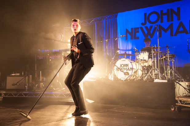 John Newman on the Replay Stage.