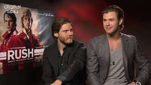 Chris Hemsworth 'we should do a Avengers/Star Wars/Superman mash-up'