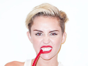 Miley Cyrus, cigarettes, behind the scenes, Terry Richardson, Wrecking Ball video,