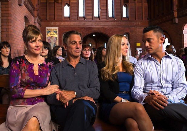 Glenne Headly, Tony Danza, Scarlett Johansson & Joseph Gordon-Levitt in 'Don Jon'