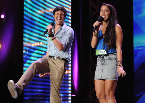 The X Factor USA S03E01: Alex and Sierra perform in front of the Judges
