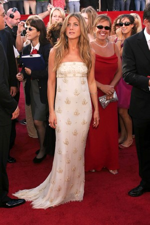 Jennifer Aniston arrives on the red carpet for the 56th Annual Primetime Emmy Awards presented by the Academy of Television Arts & Sciences at the Shrine Auditorium in Los Angeles on Sunday, September 19, 2004