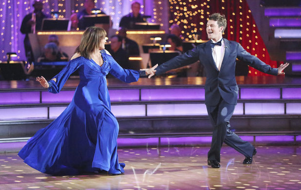 Dancing With The Stars Fall 2013, episode1: Valerie Harper and Tristan MacManus