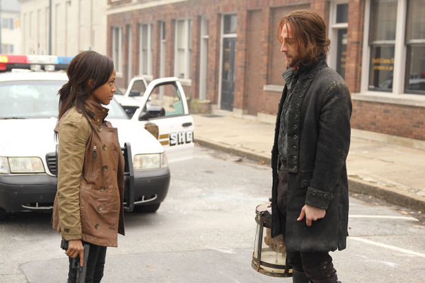 Sleepy Hollow: Lieutenant Abbie Mills (Nicole Beharie) and Ichabod Crane (Tom Mison)