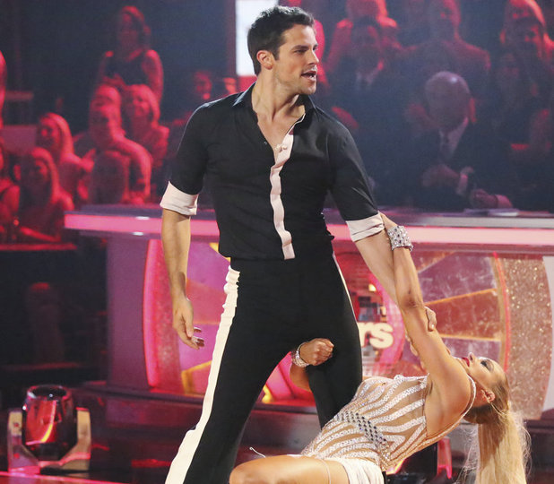 Dancing With The Stars Fall 2013, episode1: Brant Daugherty and Peta Murgatroyd