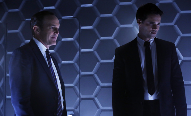 Clark Gregg and Brett Dalton in 'Marvel's Agents of SHIELD' episode 1