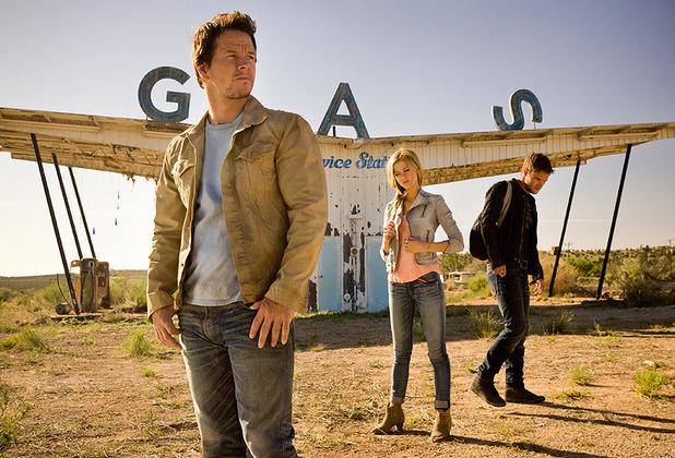 Mark Wahlberg, Nicola Peltz and Jack Reynor in Transformers 4