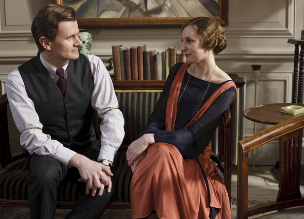 Lady Edith spends more time with Gregson.